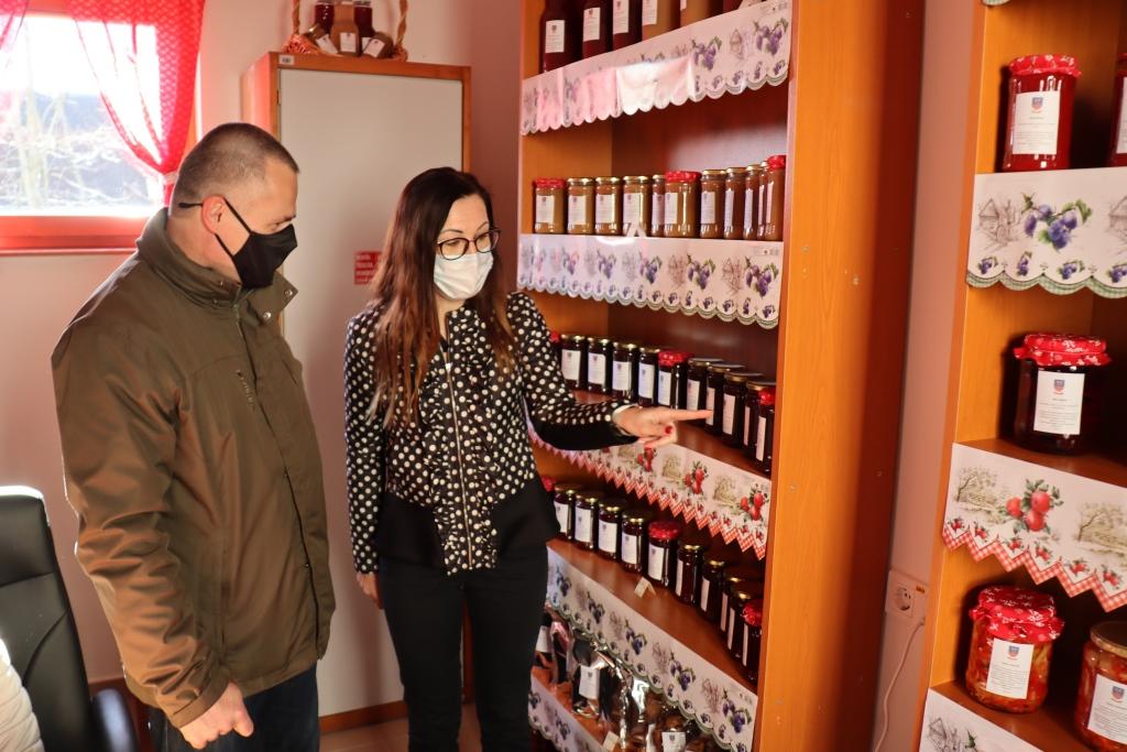 Megnyitotta ajtaját a kunadacsi önkormányzati termelői bolt